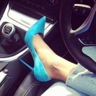 时尚尖头高跟鞋